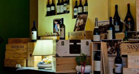 Cantina nel Ristorante La Taverna Toscana